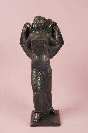 Figura Alada . bronce . 81x35x20cm . 1938