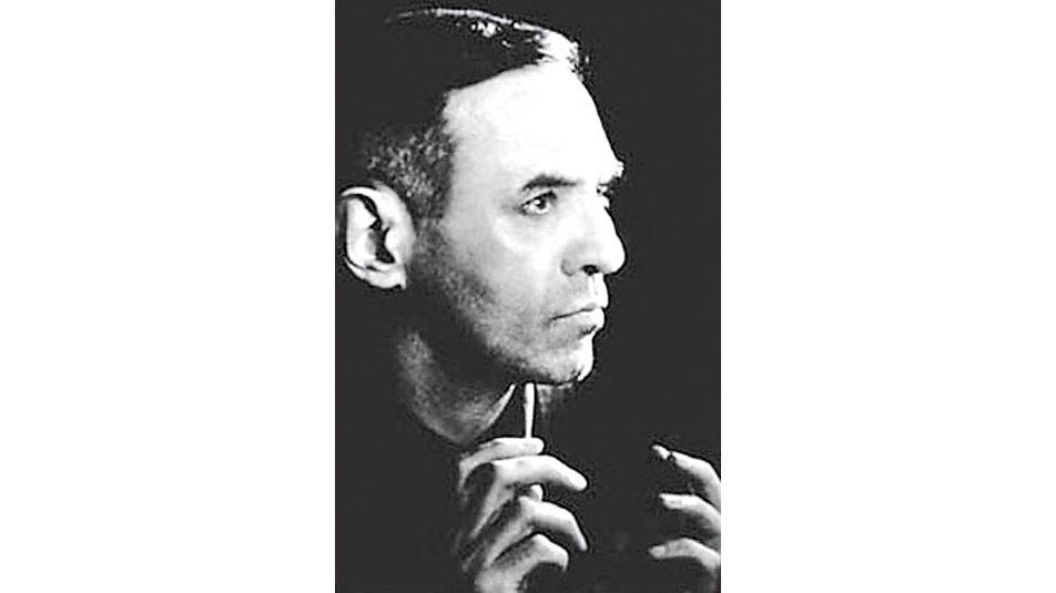 Su nombre real era Oscar Agustín Ajejandro Schulz Solari. Vendió en subastas 75 obras en 15 años. Las más cotizadas son las de la década del 20, que llegan hasta los u$s 96.000