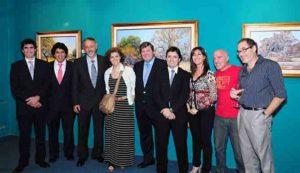 Mario Sanzano acompañado por sus colegas, Graciela Genovés, Enrique Burone Risso y Claudio Barragan, y el staff de Zurbarán.