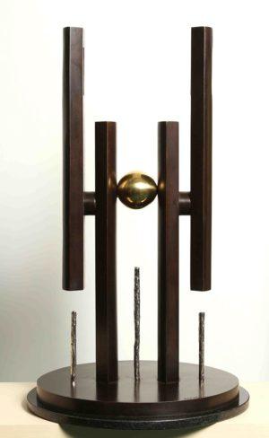 Homenaje a la Democracia . bronce . 86x47x47cm . 2000