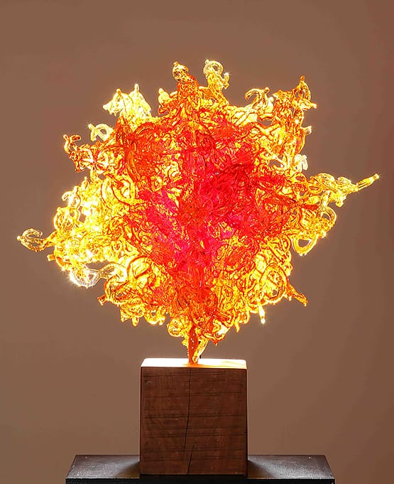 Inti Mango . resina . 80x60x60cm . 2013
