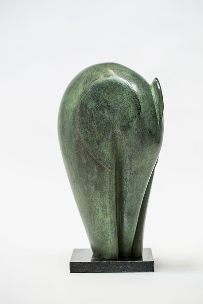 Son muchos los artistas que dominan la técnica de la escultura, lo que no es fácil es, a su vez, dotar a sus creaciones de gracia y elegancia como lo hace Silvia Celcer con las suyas. Es una artista moderna y fresca que llegó para no pasar desapercibida.