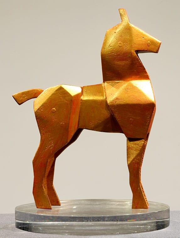 Caballo Dorado . madera pintada . 32 x 22 x 8 cm . 2018