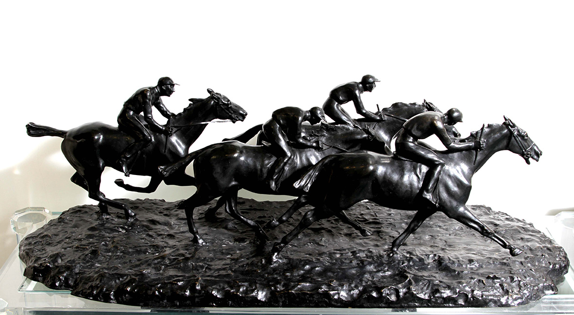 12731 Jean Louis Brown . bronce . 34 x 42 x 101 cm . 1900